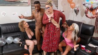 Brazzers – Sara Jay, Sally D'Angelo – Double Dip On The Magic Stick