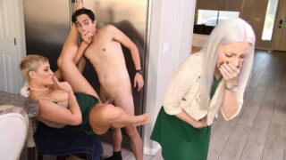 Brazzers – Ryan Keely – Eating Out for Thanksgiving